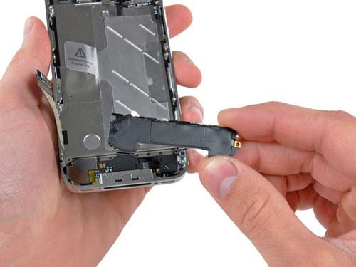 Не работает динамик телефона